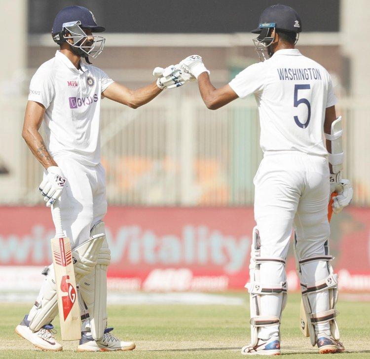 अहमदाबाद टेस्ट मैच में भारत ने इंग्लैंड पर बनाई 160 रन की बढ़त