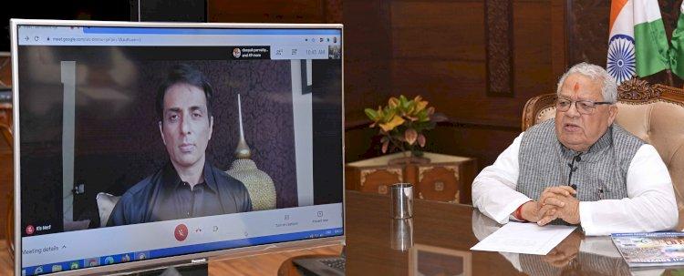प्रदेश के राज्यपाल ने अभिनेता सोनू सूद को ऑनलाइन किया सम्मानित