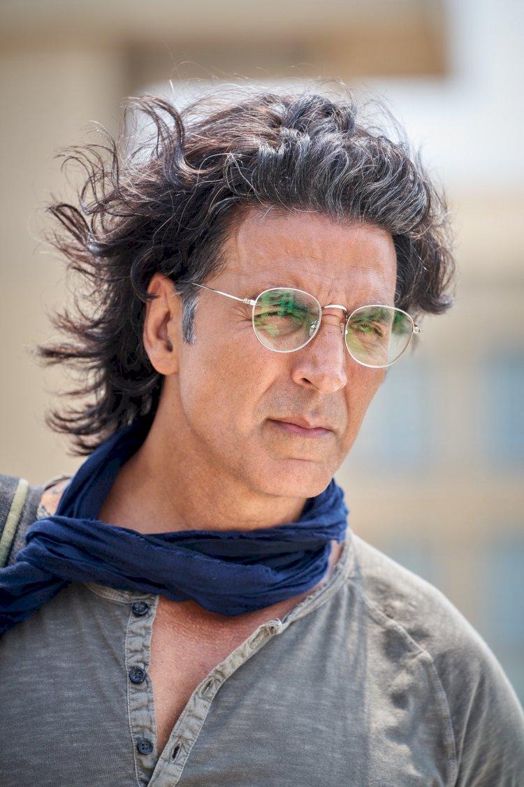 अभिनेता अक्षय कुमार ने फिल्म राम सेतु की शूटिंग शुरू करने के साथ ही फैंस के साथ शेयर किया नया लुक वाला फोटोग्राफ