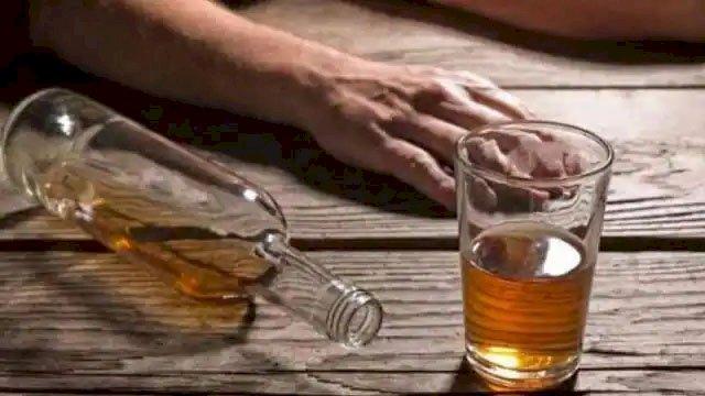 शराब तस्करी के बीच जहरीली शराब से 95 लोगों की मौत, जहरीली शराब ने 80 लोगों की छीन ली रोशनी