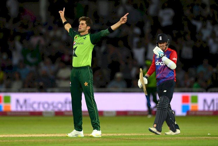 पाकिस्तान ने पहले टी-20 मैच में इंग्लैंड को 31 रनों हराया, कप्तान बाबर और विकेटकीपर का बेहतरीन प्रदर्शन